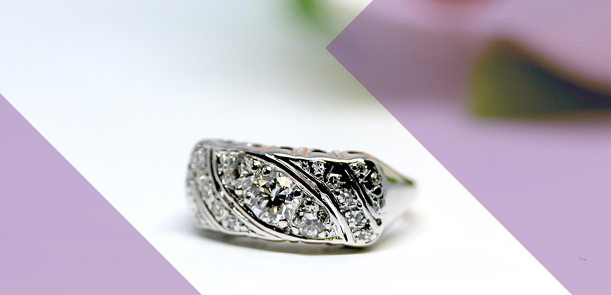 Retro Era 14 Karat White Gold Diamond Ring