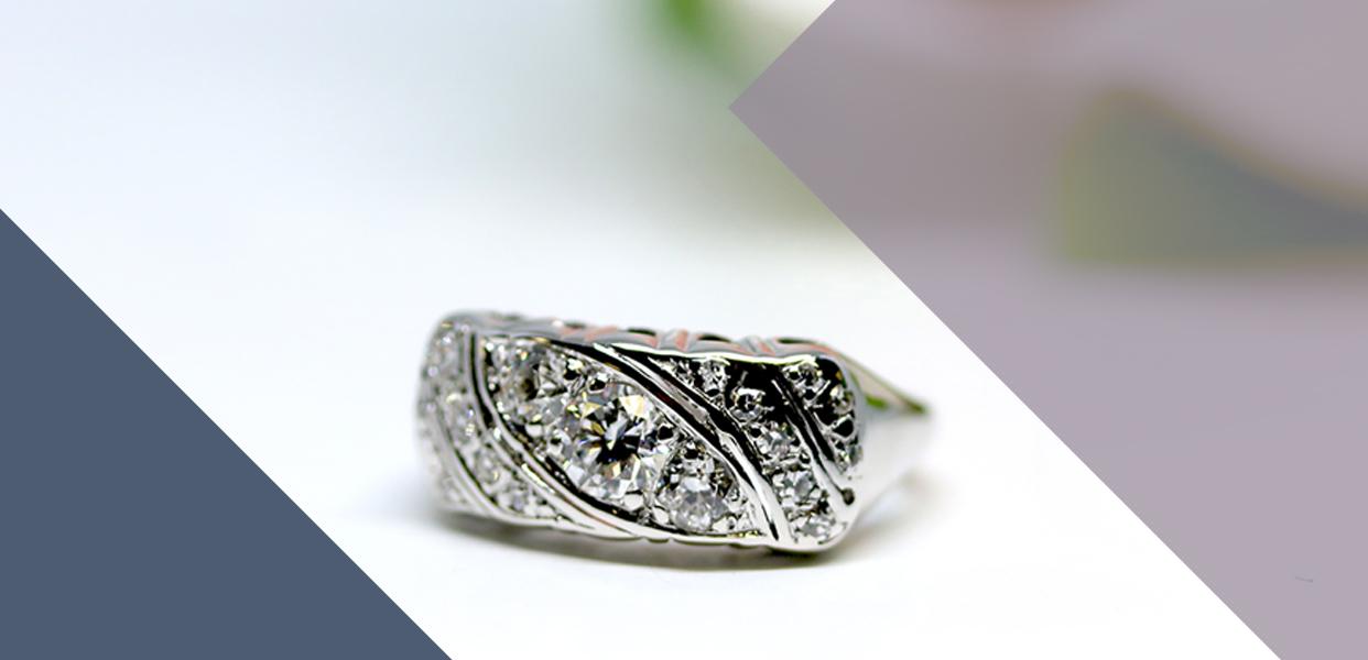 Retro Era 14 Karat White Gold Diamond Ring