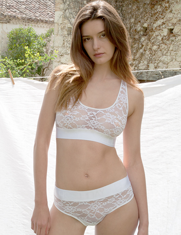 Chi Chi Blanc | Witte kanten luxe designer lingerie set BH & knickers