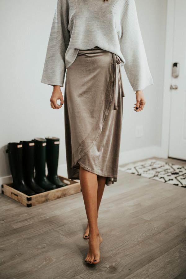 Split Decision Skirt (Taupe)