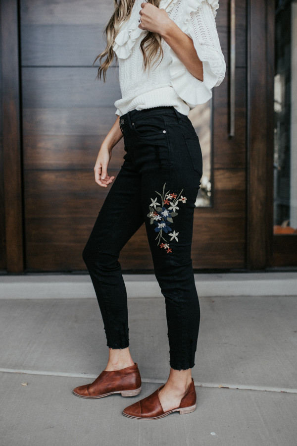 Simply Sweet Embroidered Jeans (Black)