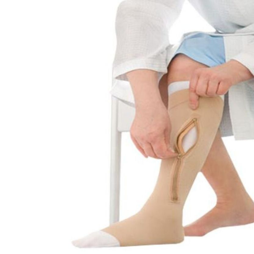 BSN Jobst Ulcercare Knee-High With Right Zipper And Lining
