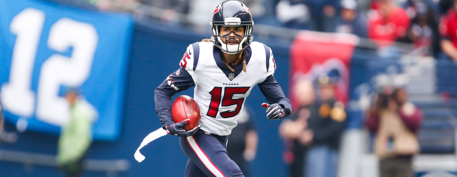 Houston Texans wide receiver Will Fuller (15) returns a punt against the Seattle Seahawks during the first quarter at CenturyLink Field.