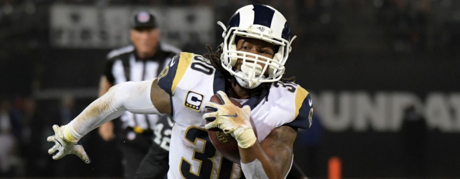 Los Angeles Rams running back Todd Gurley (30) carries the ball in the fourth quarter against the Oakland Raiders at the Oakland-Alameda County Coliseum. The Rams defeated the Raiders 33-13.