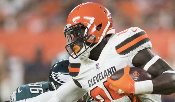 Cleveland Browns tight end David Njoku (85) runs with the ball after a catch as Philadelphia Eagles defensive end Derek Barnett (96) defends during the first quarter at FirstEnergy Stadium.