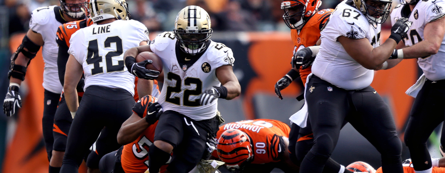 New Orleans Saints running back Mark Ingram (22) carries the ball against the Cincinnati Bengals in the second half at Paul Brown Stadium.