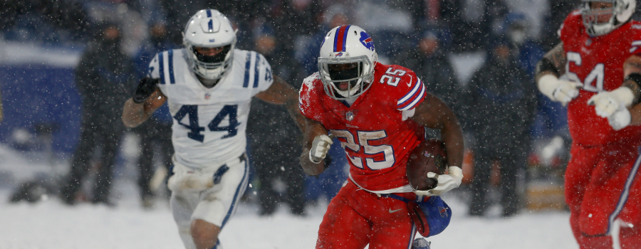 Buffalo Bills running back LeSean McCoy (25) against the Indianapolis Colts at New Era Field. Buffalo beats Indianapolis 13 to 7 in overtime.