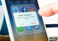 Treasurers Demand Zuckerberg Quit as Facebook Chairman