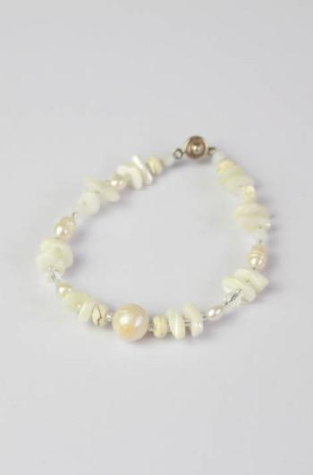 Pearl & Seashell Strand Braclet