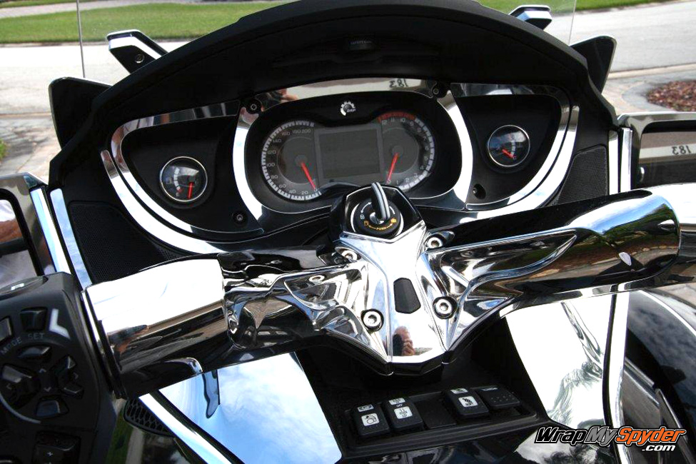 Chrome dash kit for Spyder RT