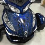 spidy-on-web-blue