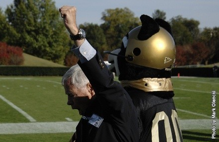 Football season tickets now on-sale! - Wofford College Athletics 8e54213b5