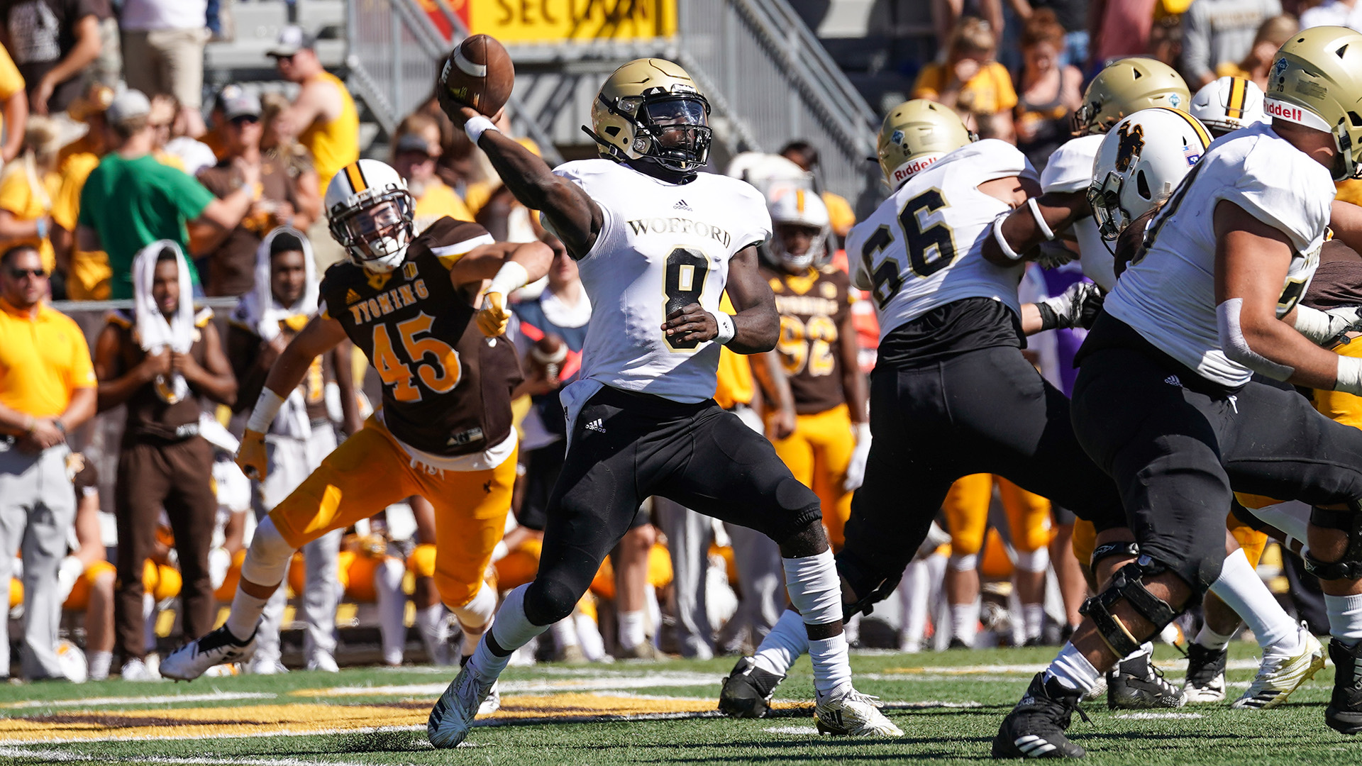 Football Falls At Wyoming 17-14 - Wofford College Athletics