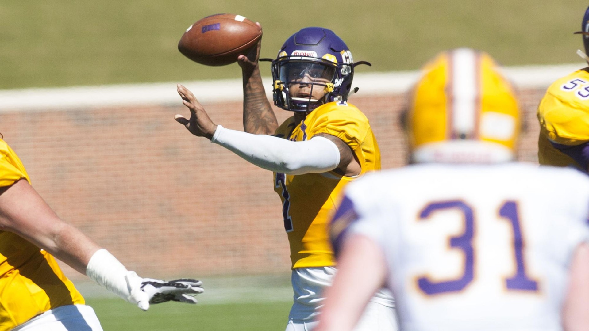 Football Routs Sul Ross State 59 10 Umhb Athletics