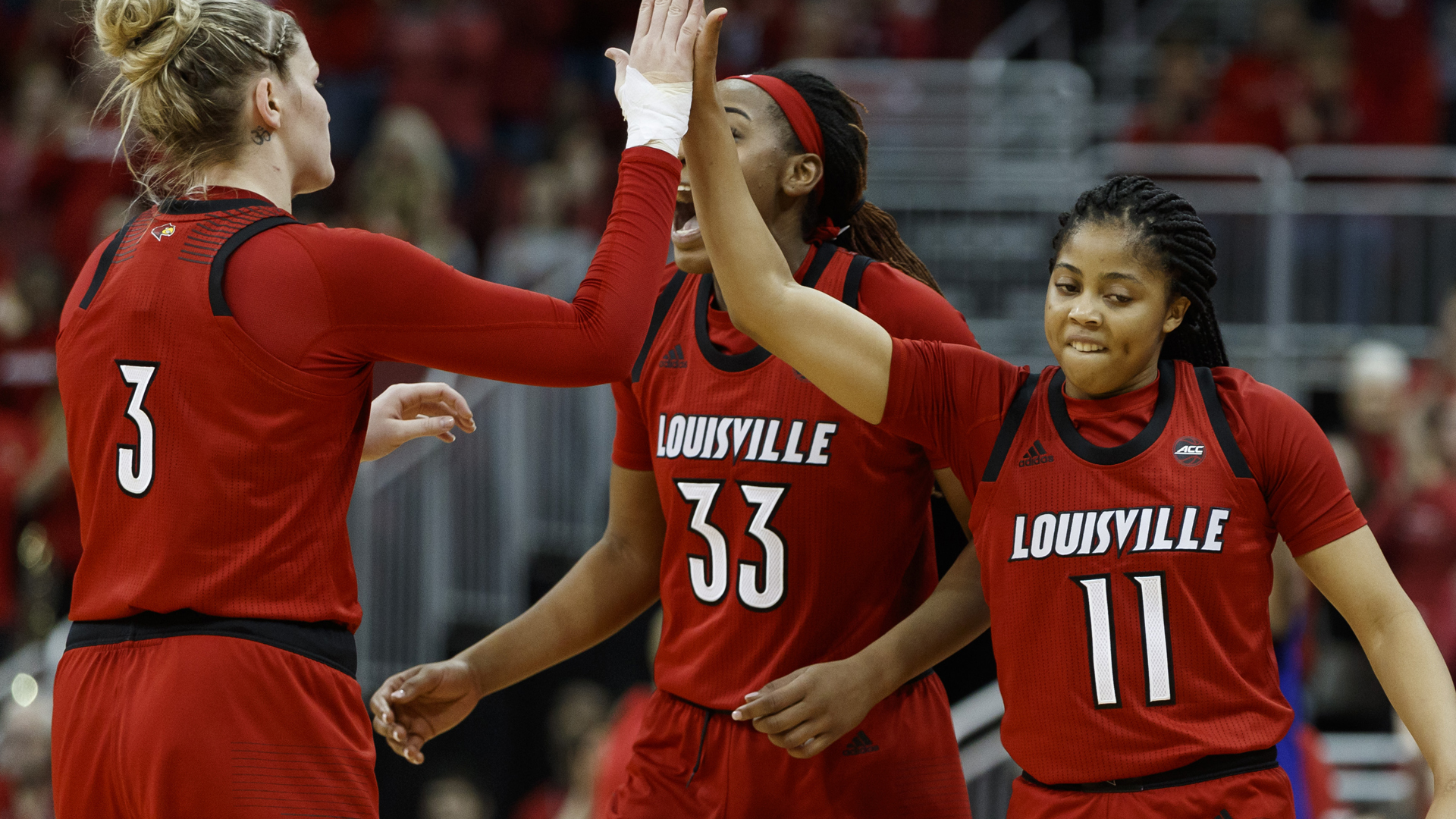 No 2 Louisville Plays At No 1 Notre Dame On Thursday University