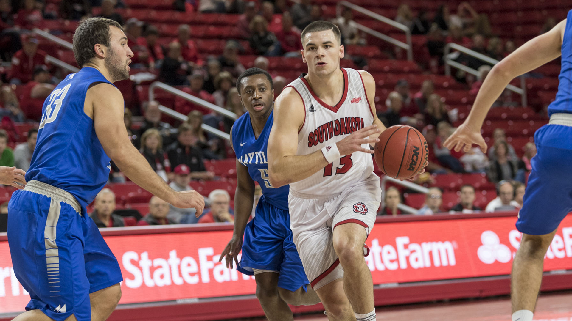Balanced Attack Leads Coyotes To Victory University Of South