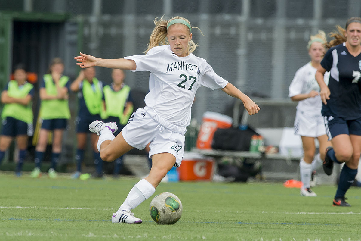 Women S Soccer Drops 4 0 Decision To Sacred Heart At Yale
