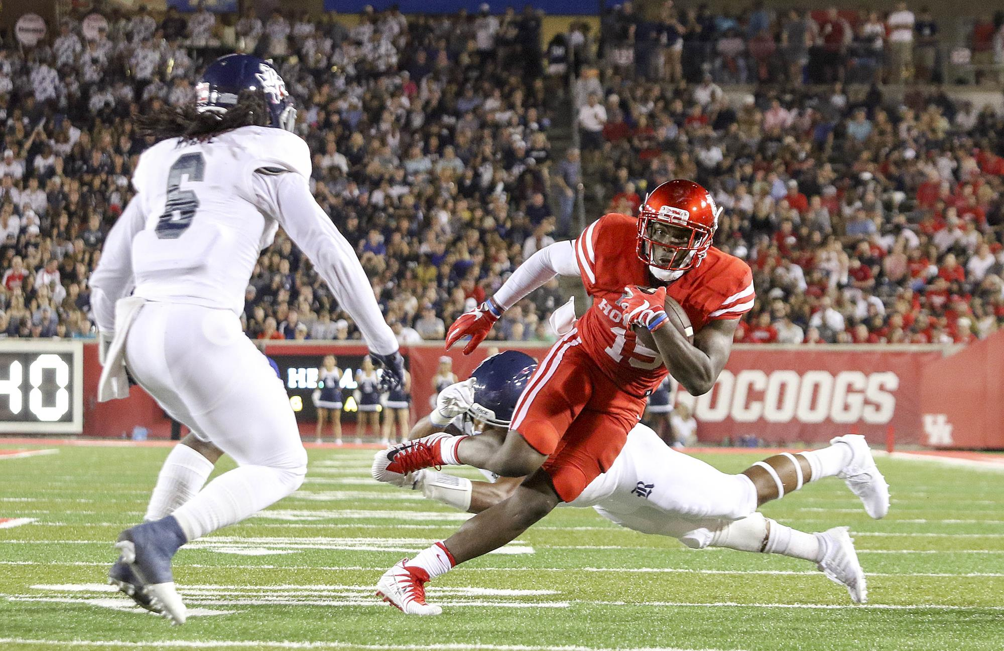 Big First Half Puts Houston Past Rice - American Athletic