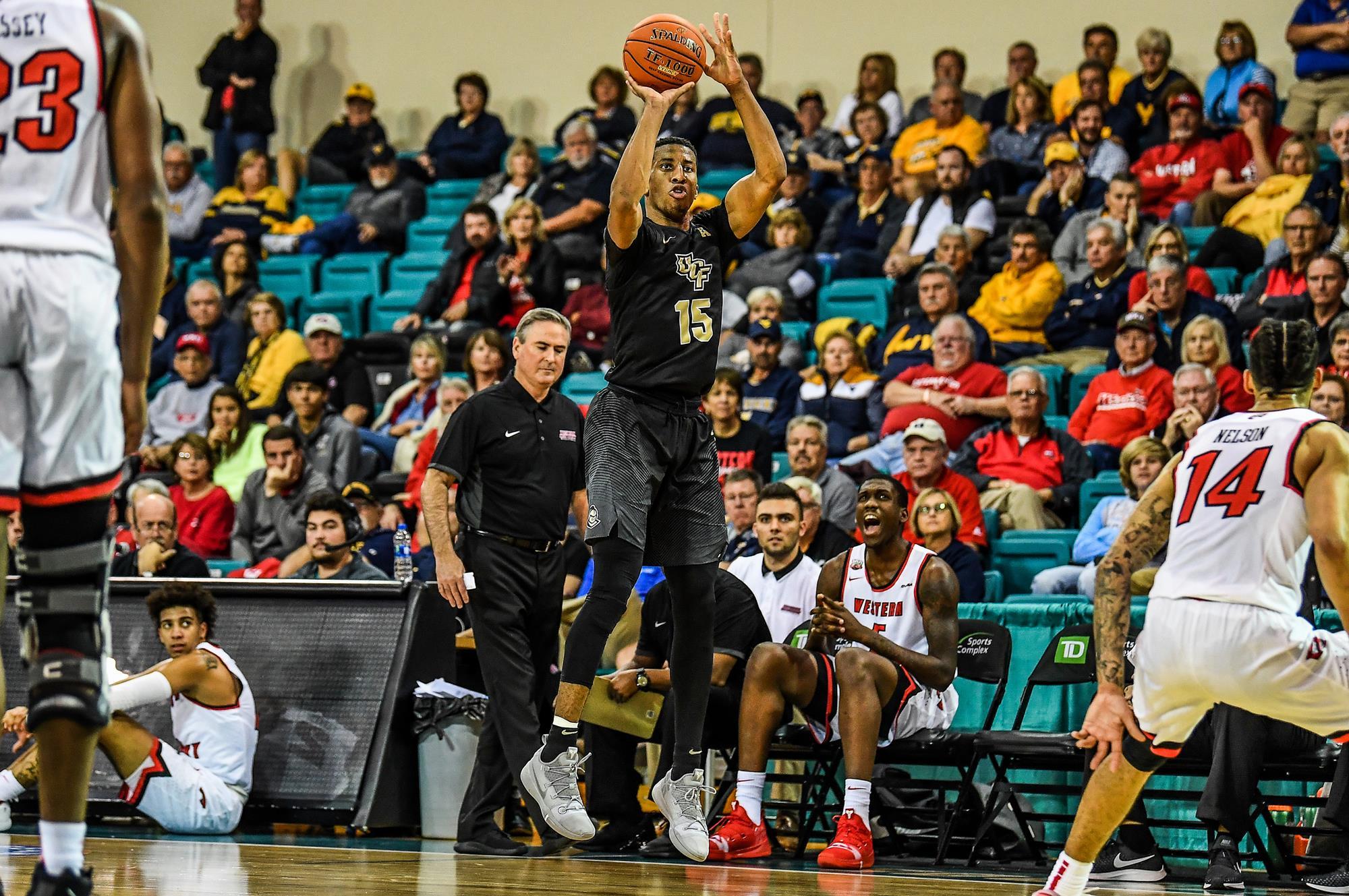 UCF & Memphis Grab Men's Basketball Weekly Awards - American