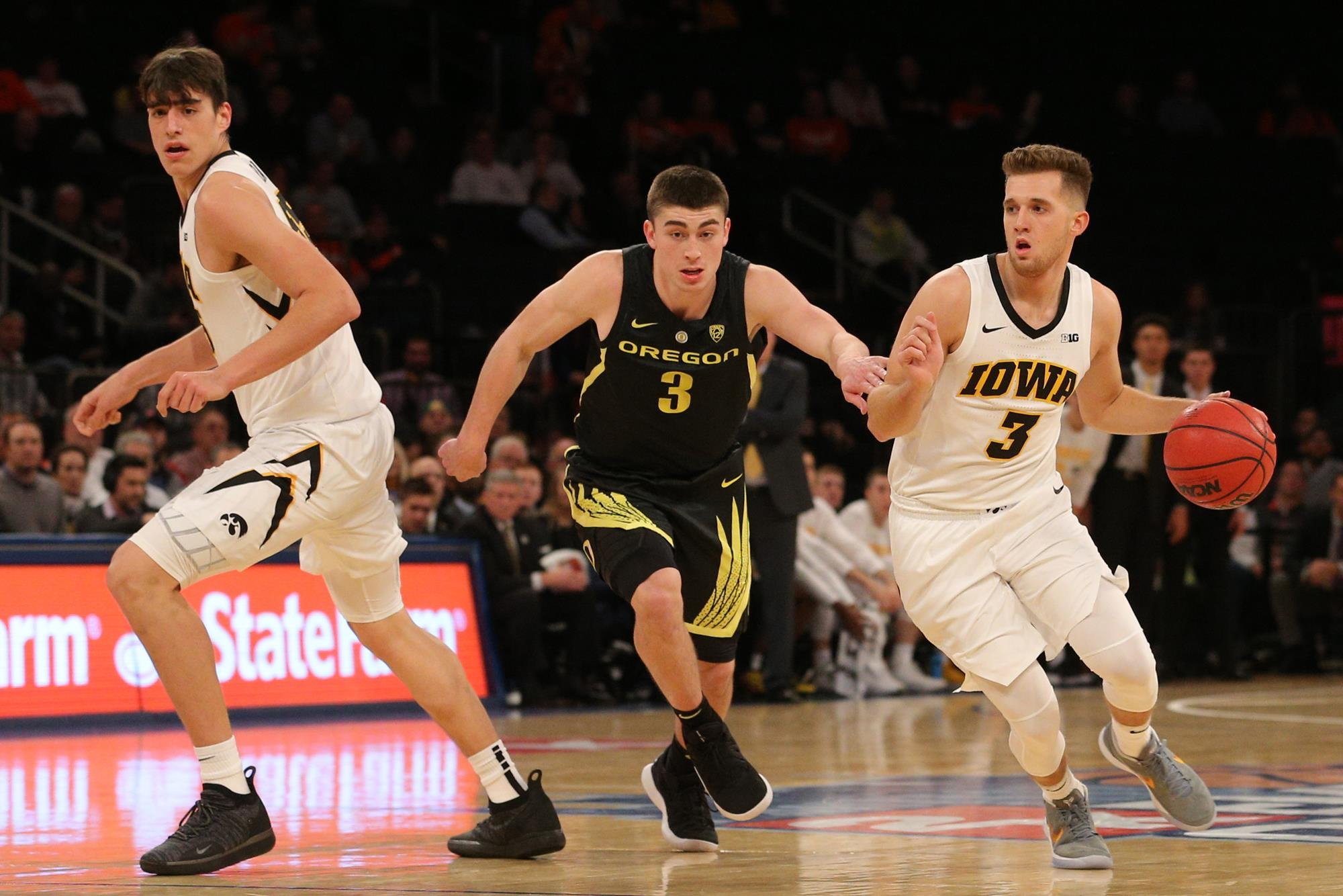 ducks can't hold on in new york - university of oregon athletics