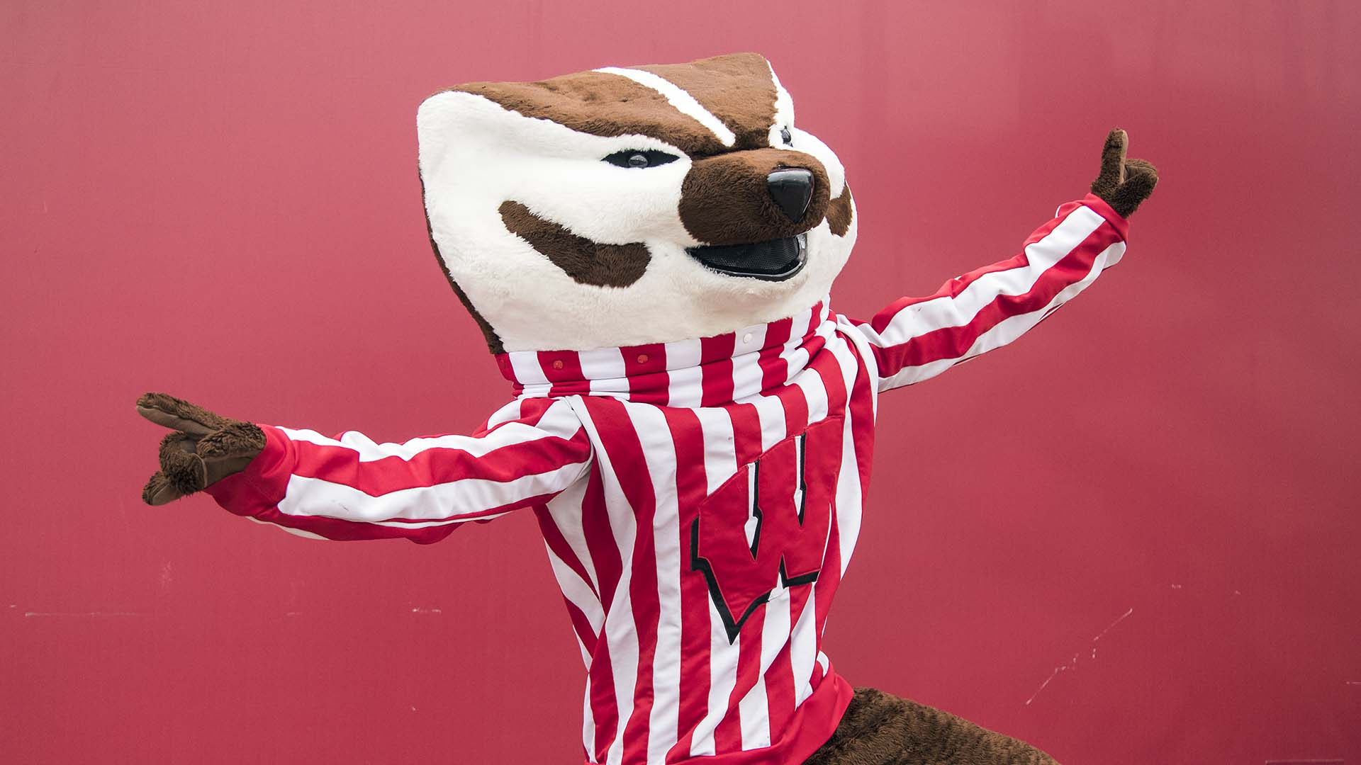 Big Savings For Badger Fans Thanksgiving Weekend Wisconsin Athletics