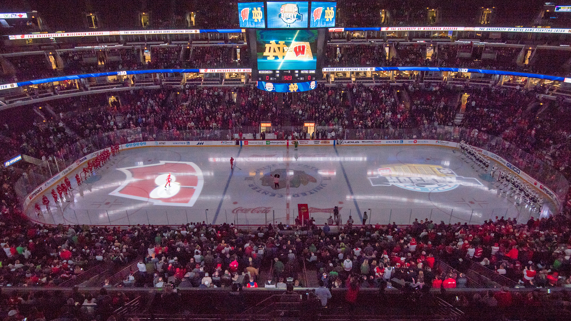 wisconsin to host notre dame at the united center in 2019