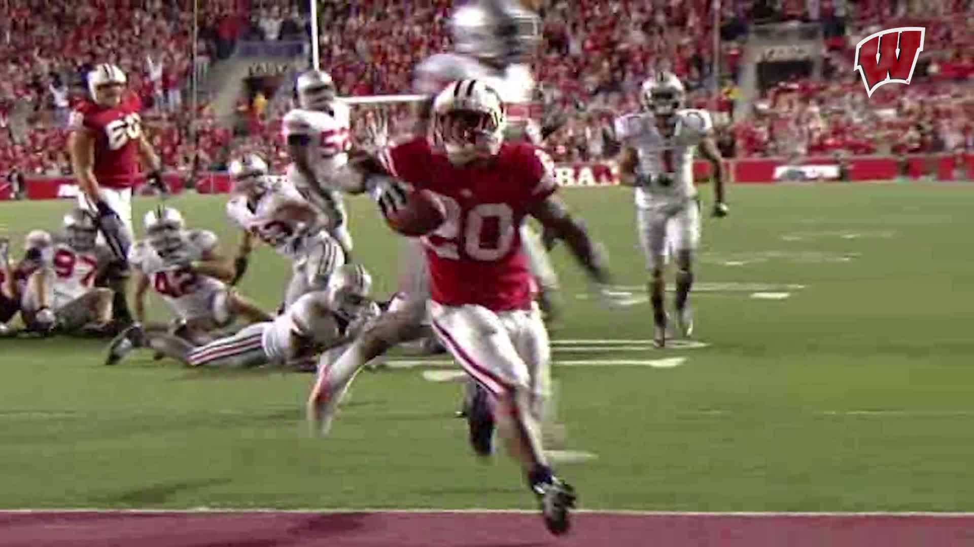 Inside the Huddle: Pryor, receivers dialed in on details | Wisconsin