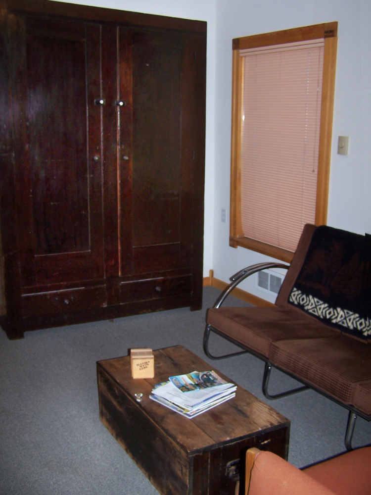 headquarters cabin for rent in chloride new mexico