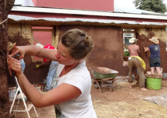 Natural Building workshop in Kingston - straw bale and earthen plaster construction