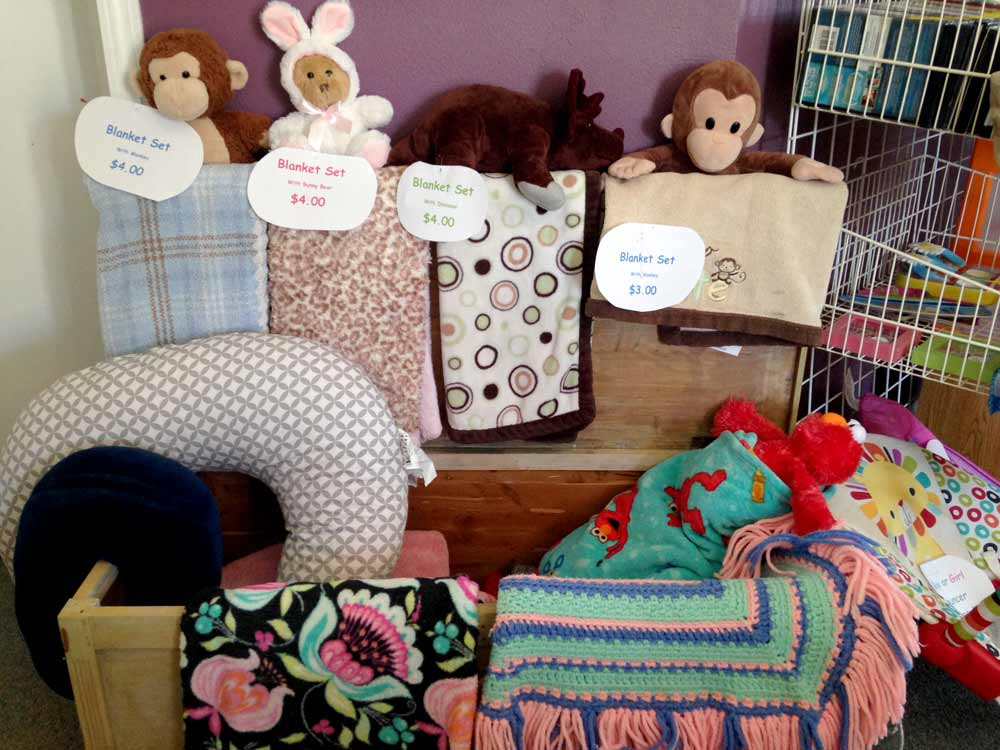 blanket sets at CASA Kids and Company thrift store, Truth or Consequences NM