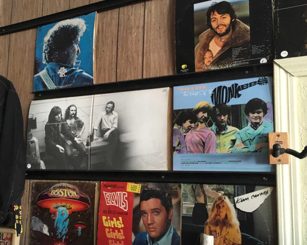 vintage 33 LP vinyl records at Junkology