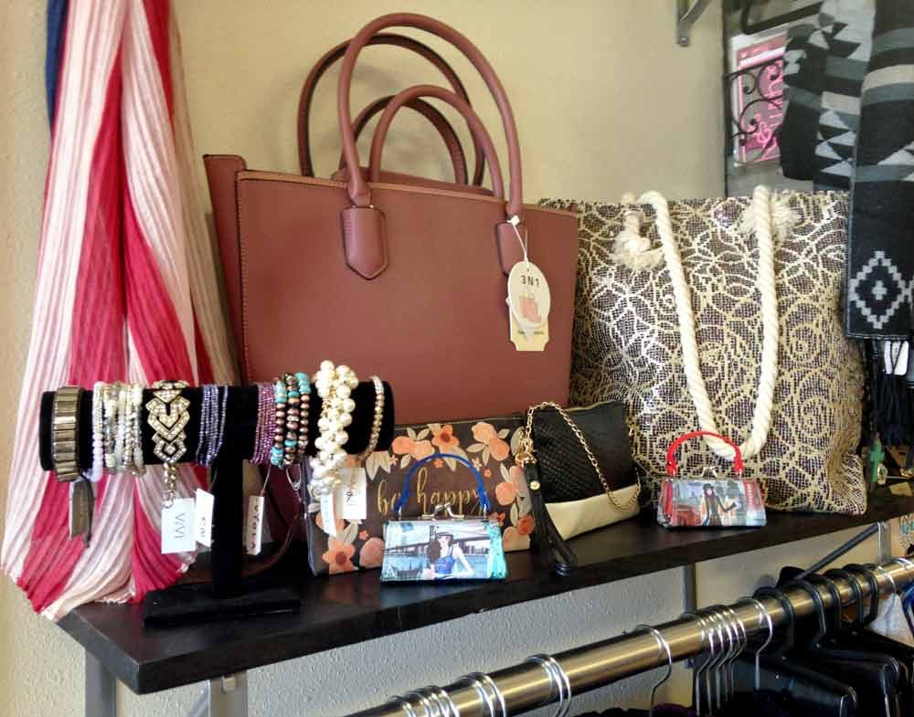 handbags and accessories at tips and toes in Truth or Consequences