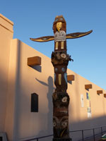totem pole in front of Geronimo Springs Museum