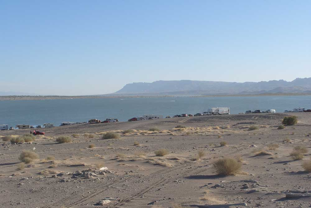boats out on Elephant Butte Lake