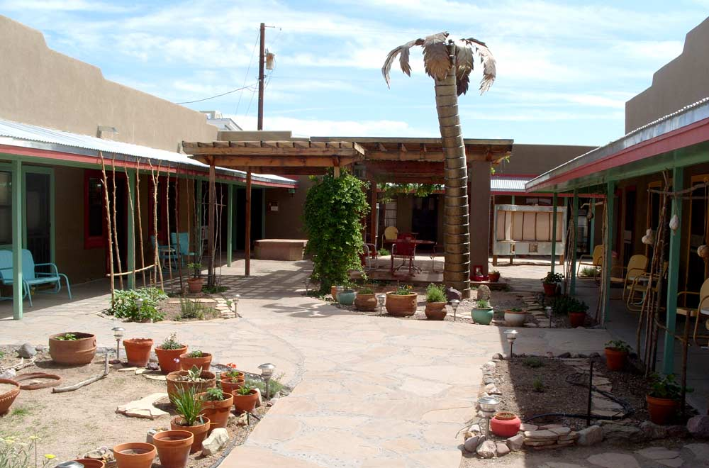 Blackstone Hotsprings courtyard