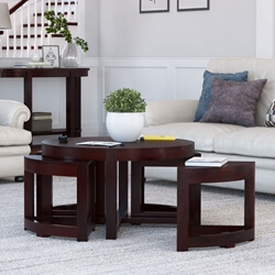 Murrieta Solid Wood Round Coffee Table With 4 Nested Stools