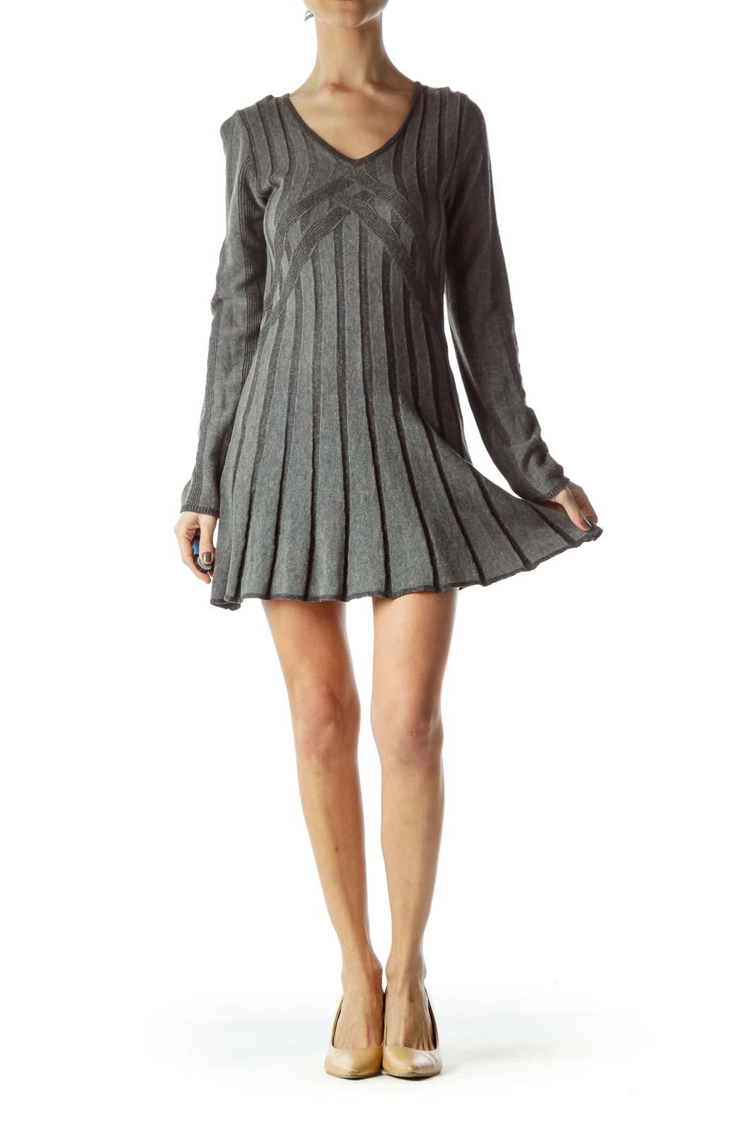 Gray Long Sleeve V-Neck Knit Dress