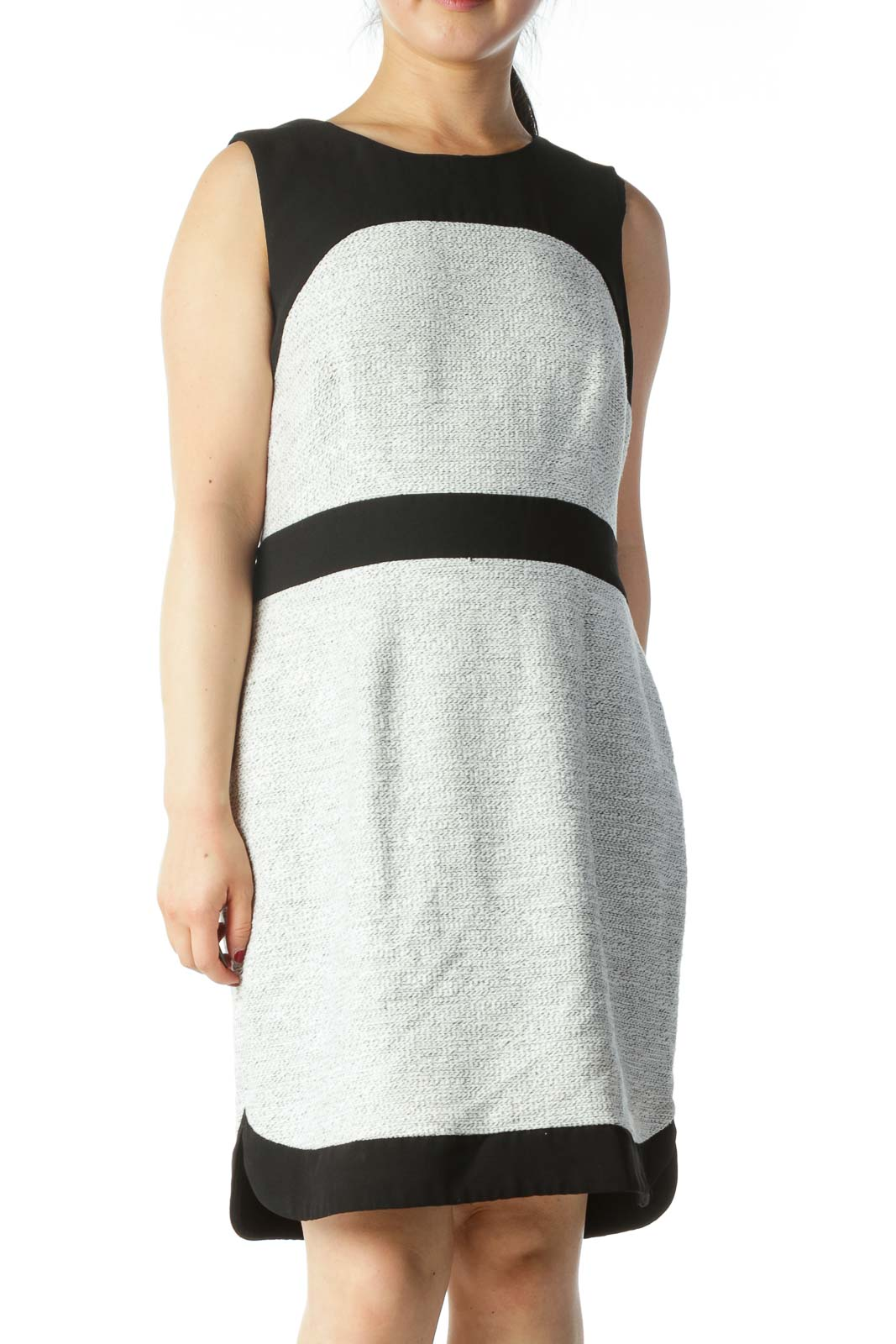 Black and White Sleeveless Knit Dress