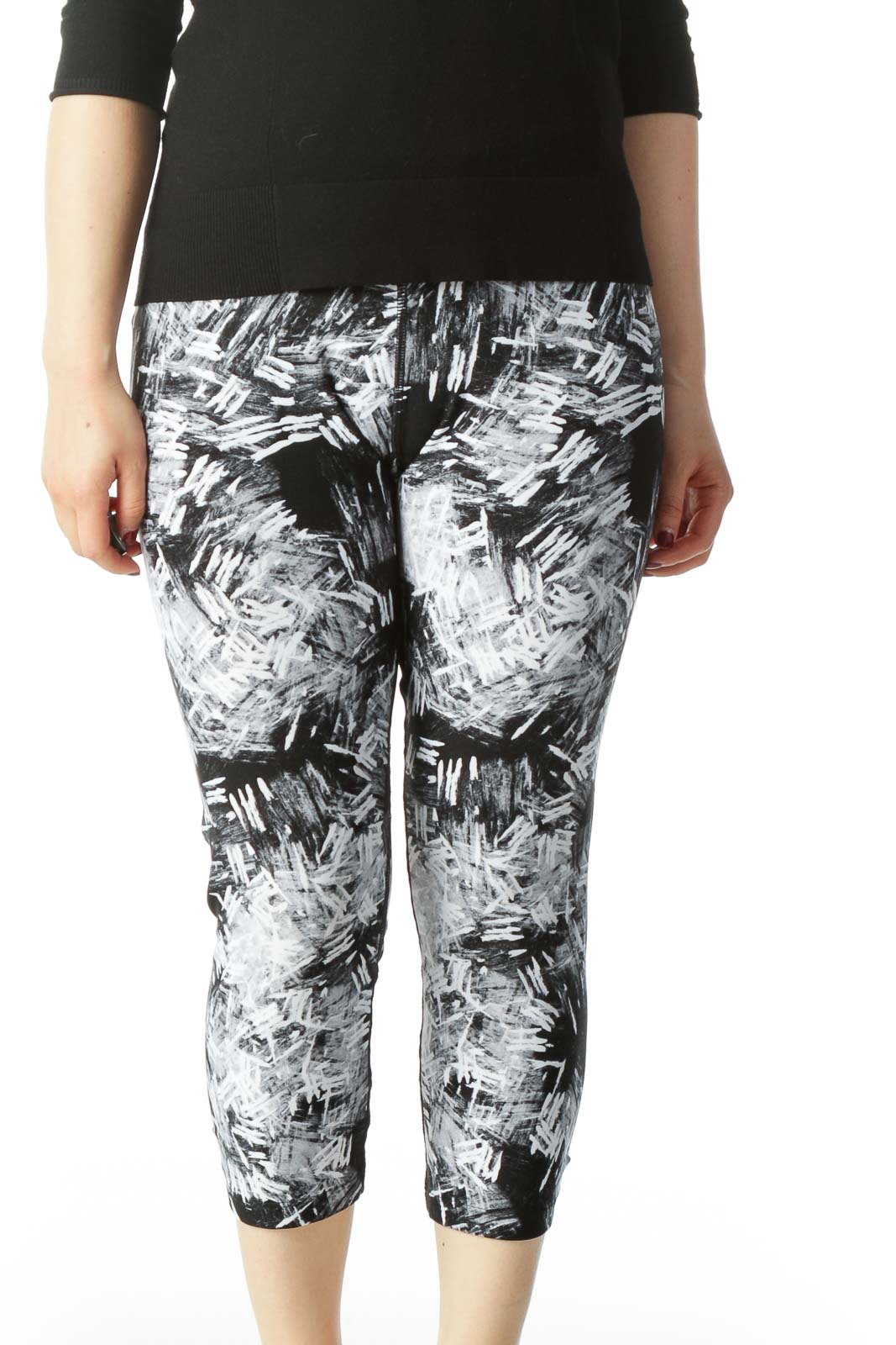 Black and White Capri Yoga Pant