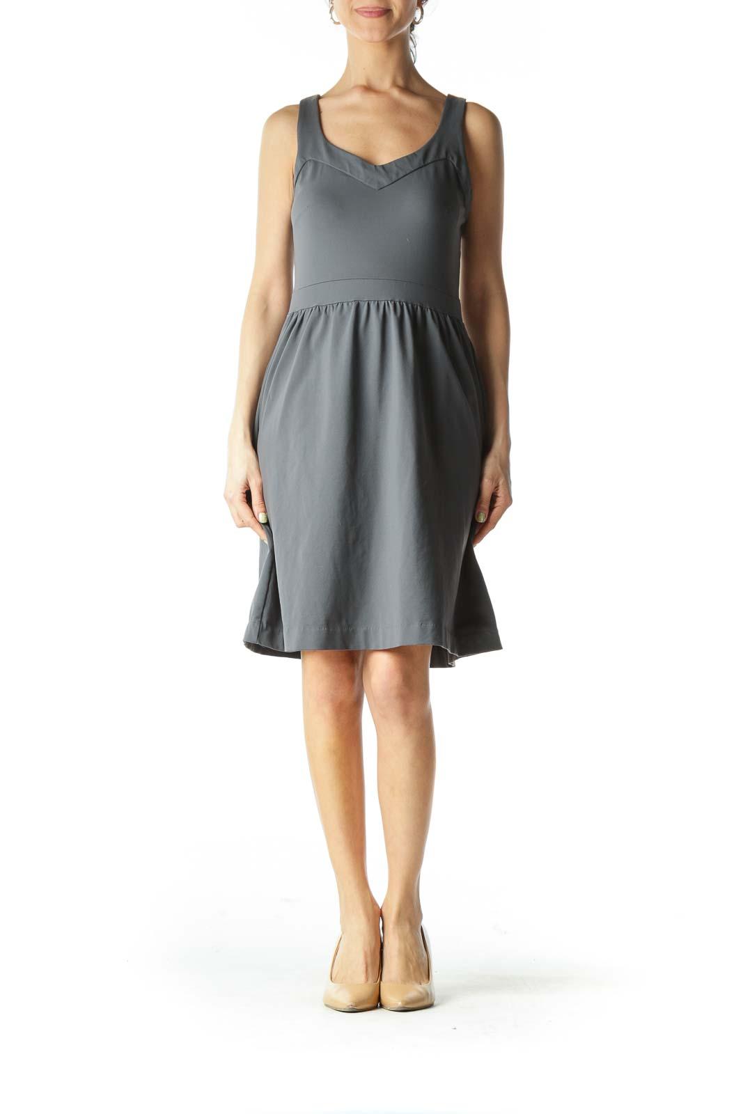 Gray Banded-Neckline Sheath-Waist Day Dress