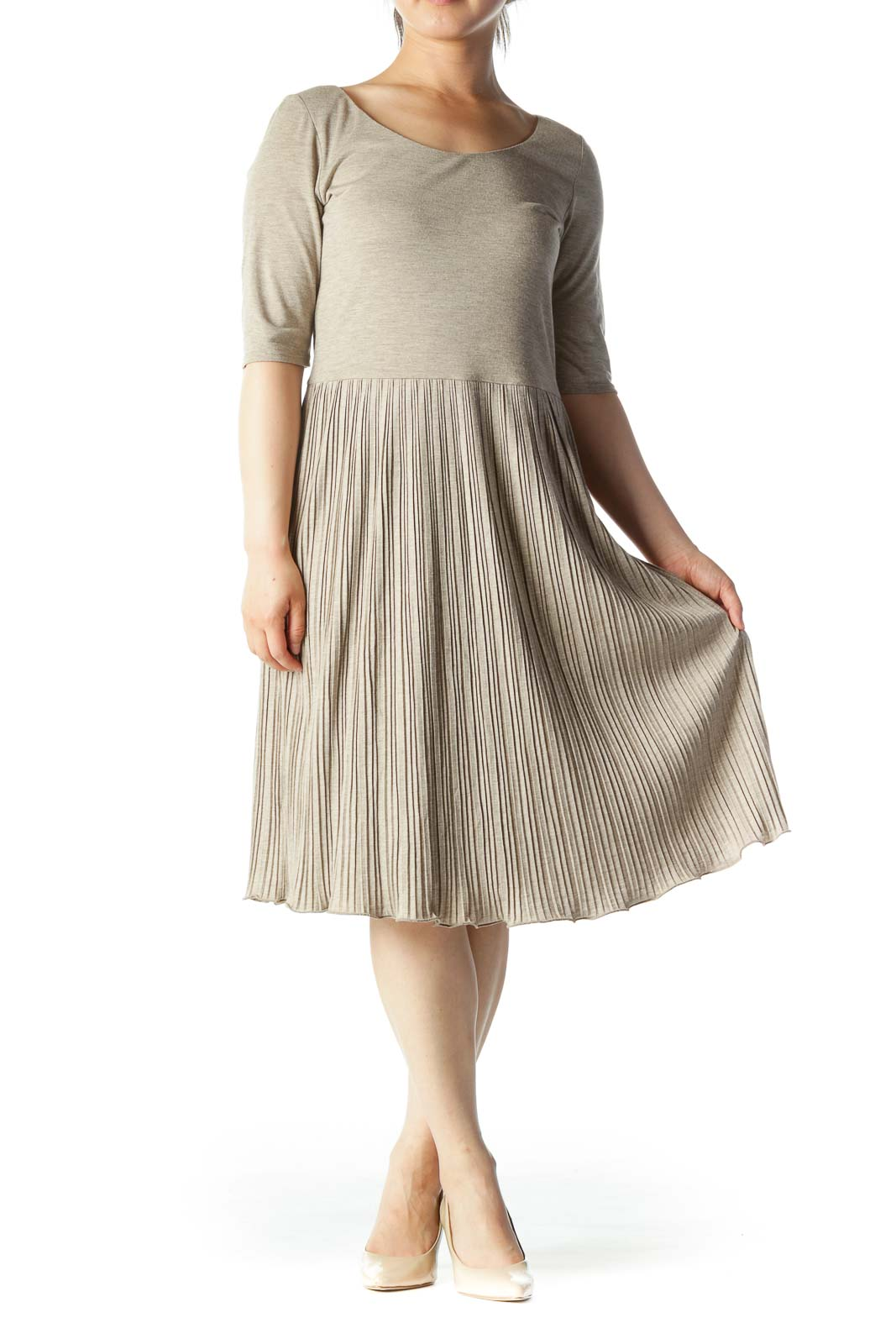 Beige Pleated Short-Sleeve Scoop-Neck T-Shirt Dress