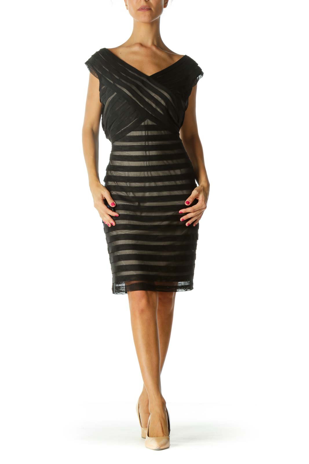 Black Beige-Underneath Pleated Material V-Neck Dress