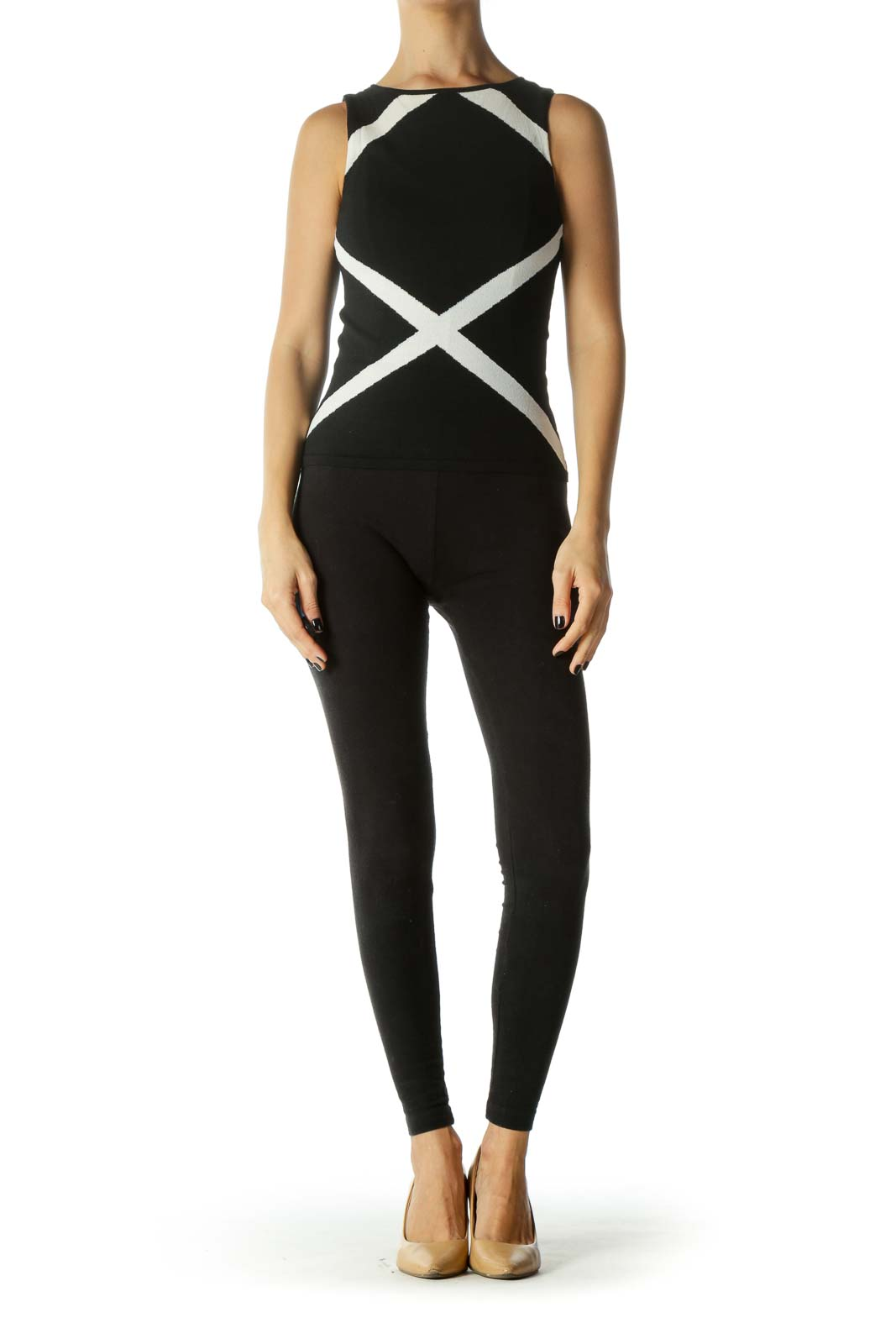 Black & White Sleeveless Stretch Round Neck Top