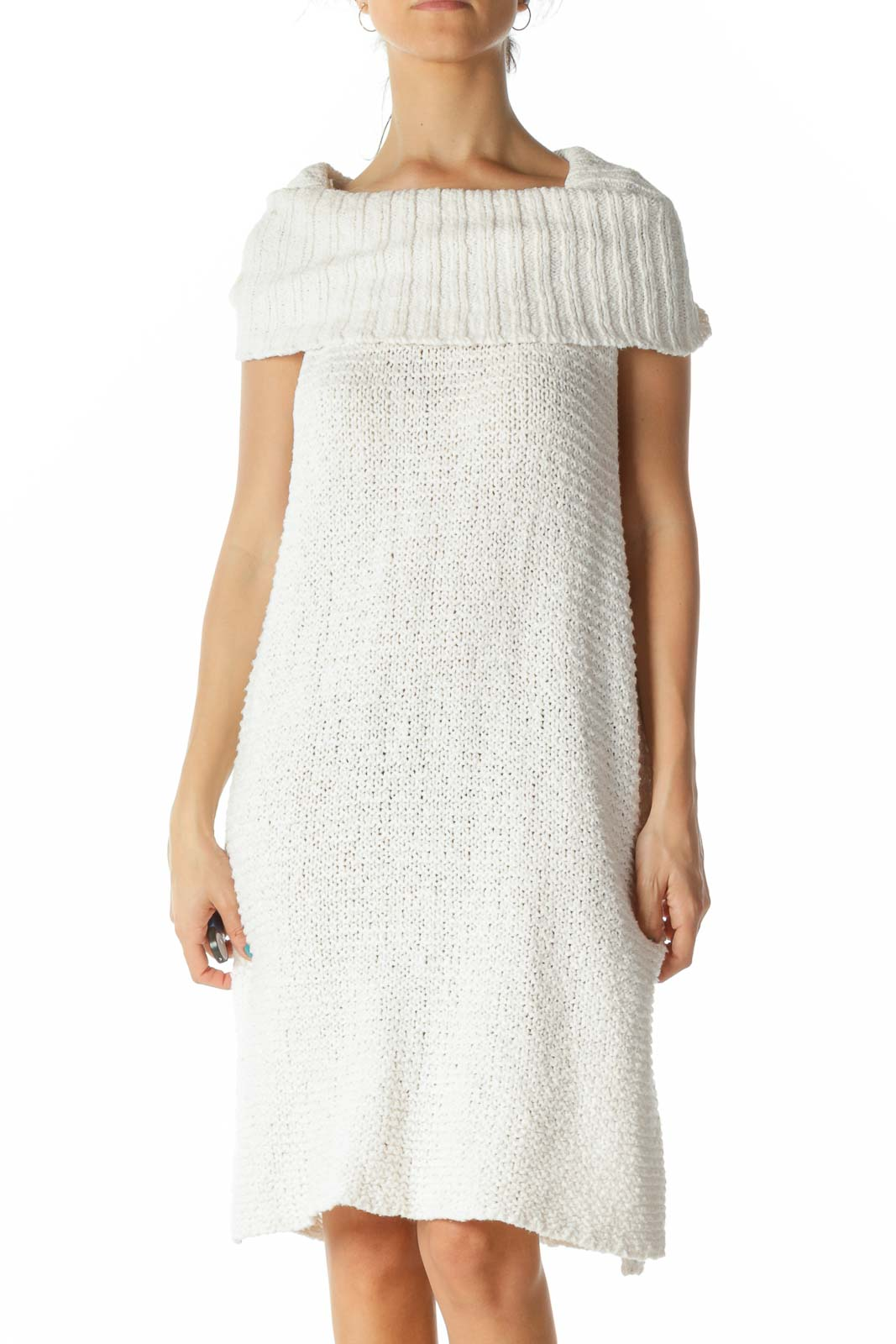 Cream Turtle Sleeveless Slitted Knit Dress