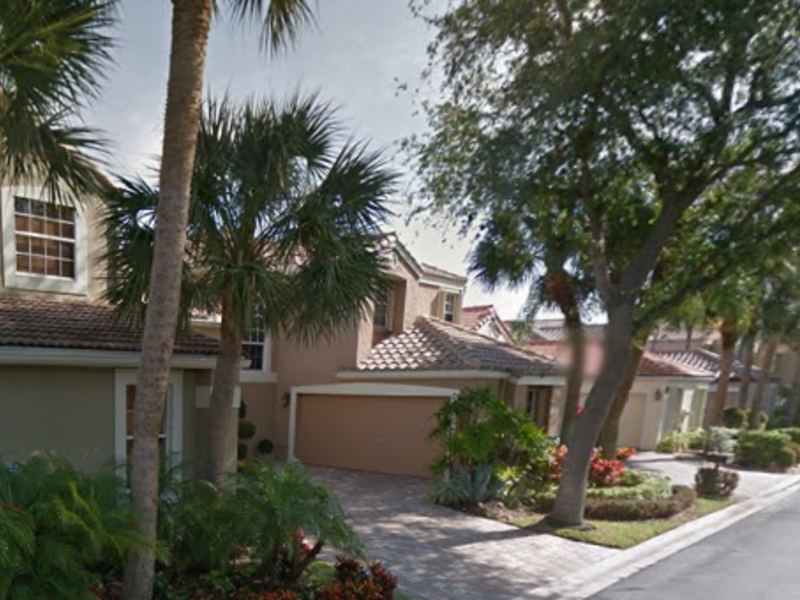 Renting furnished room for rent in Boca Raton, FL