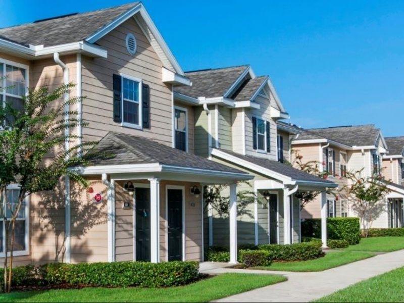 Rooms for rent in Orange City in a private Condo  in Orange City, FL