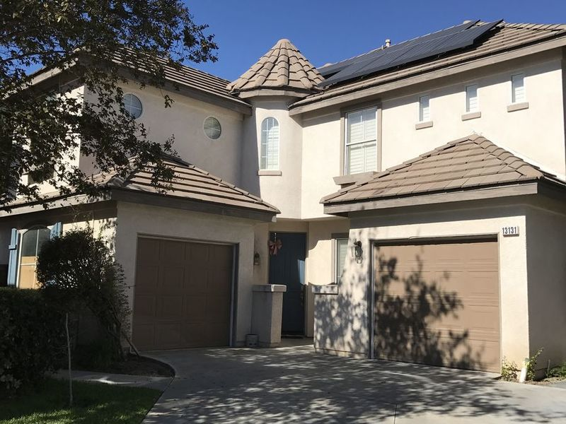 Beautiful gated community seeking roommate. in Garden Grove, CA