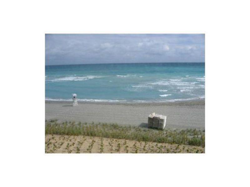 Private Bed/Bath - Luxury Ocean Front Condo in Hallandael Beach, FL