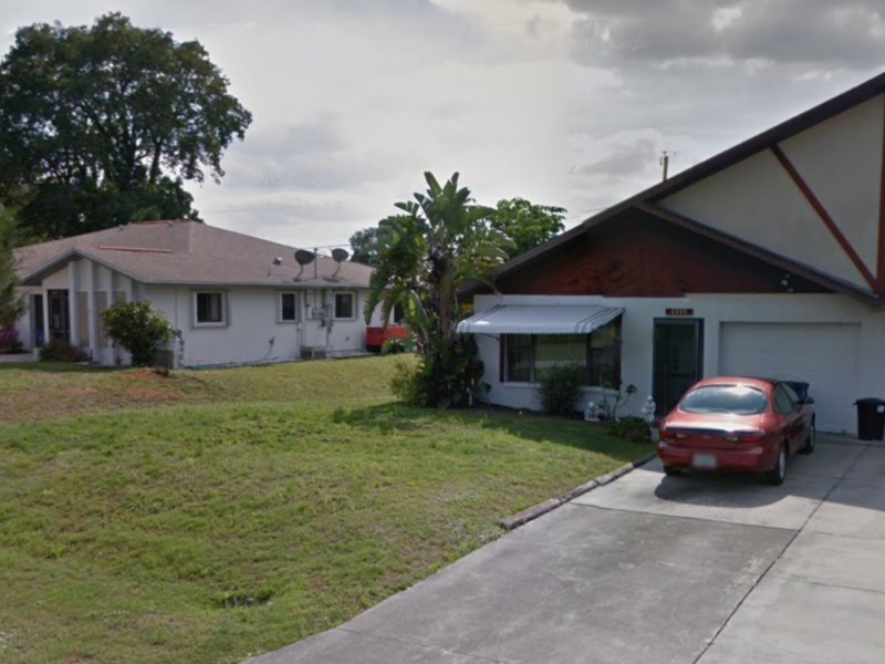 I rent this duplex in Fort Myers, FL