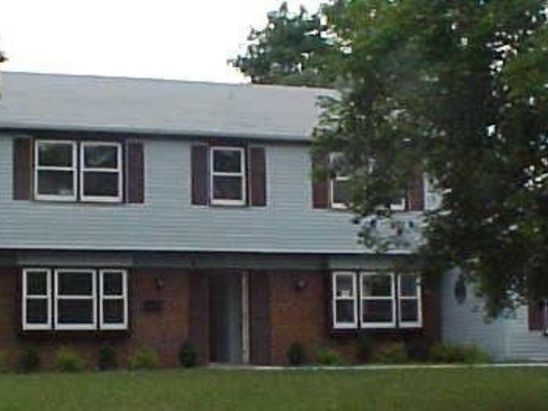 Colonial in Burlington County New Jersey in Willingboro, NJ